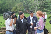 Belinda interviewed by the Vietnamese television