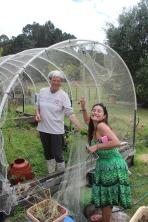 Pilar & Annie i the veggie garden