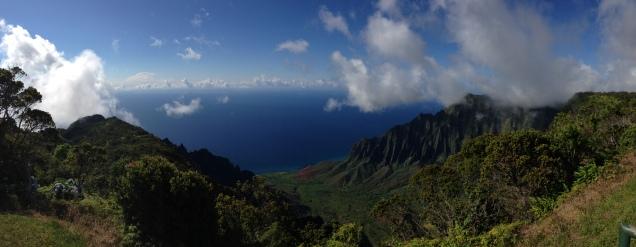 Kalalau lookout overlooking the Na Pali coast