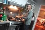 Cooking a homemade dinner @ Marie-Hélêne's place